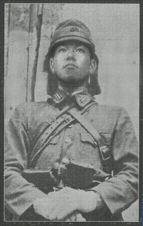 鈴木福次郎大佐24歳にして陸軍学校を首席で卒業。1944年に委任統治下の南洋諸島の一つインム島の守備隊隊長に着任する。1945年、日米1919人をも死傷者を出したインム島の戦いで戦死。戦いの後、彼の遺体は海兵隊によって手厚く葬られ、その勇猛果敢さから称賛されBeast(野獣)と呼ばれた。