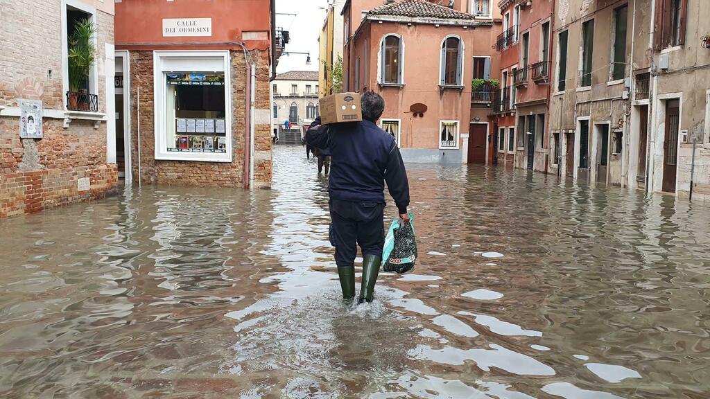 Odio social contro il Veneto dopo l'acqua alta, la...