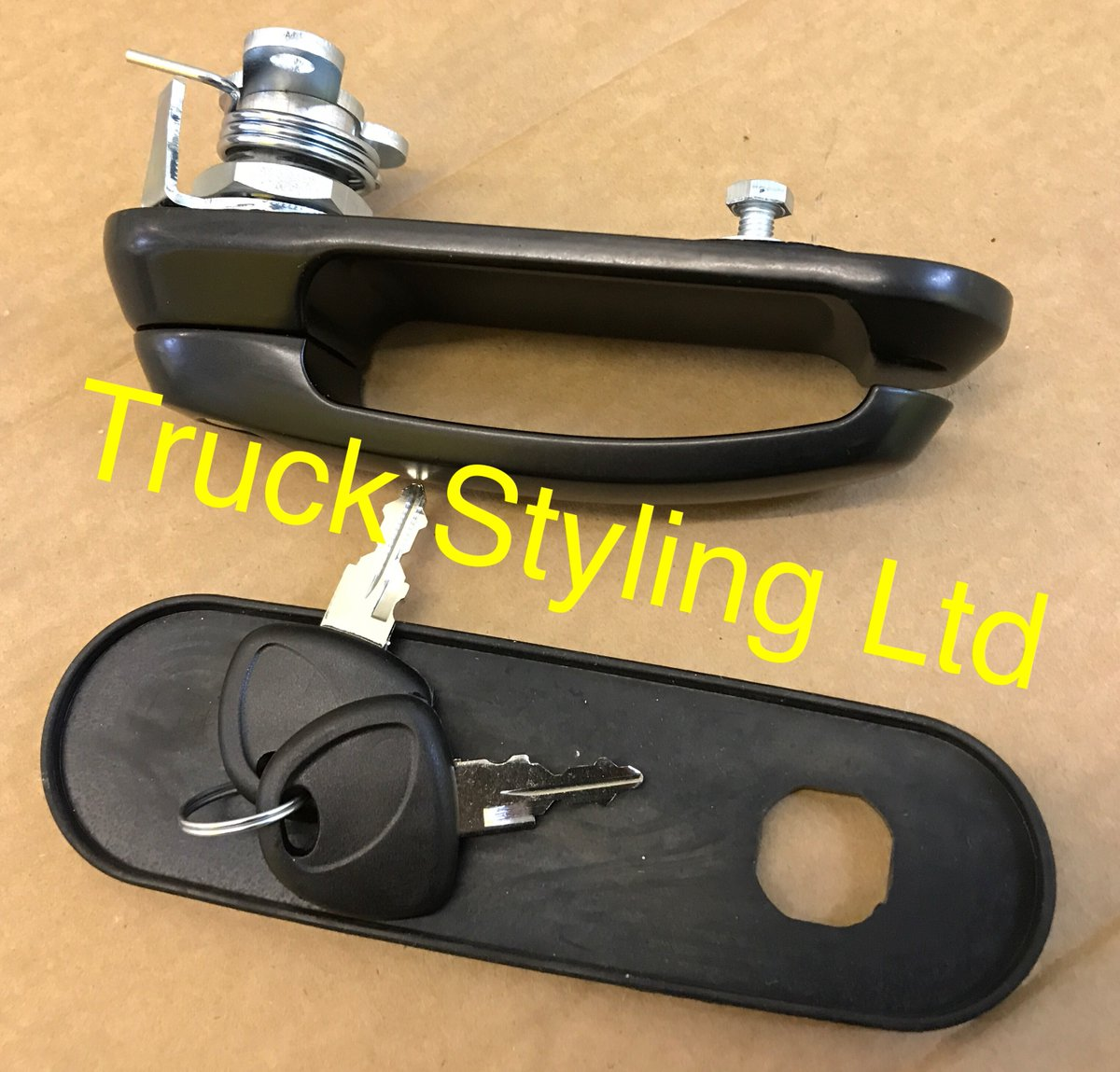 #Pickup truck Hard Top Canopy #lock. Universal fit, £65 Inc VAT. Tel/Text: 077-8662-6006 for more info.