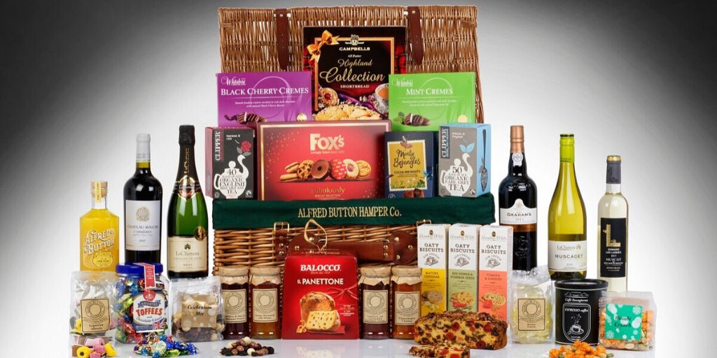 #WIN one of our luxury hampers, with a variety of goodies including fizz, sweet treats & Xmas essentials.   To win: like this tweet, follow us & tag a friend in the replies!   Winners will be picked at random on 20/12. Ts&Cs apply, ask in store. Customer number required. #contest<br>http://pic.twitter.com/crw5saAiHa
