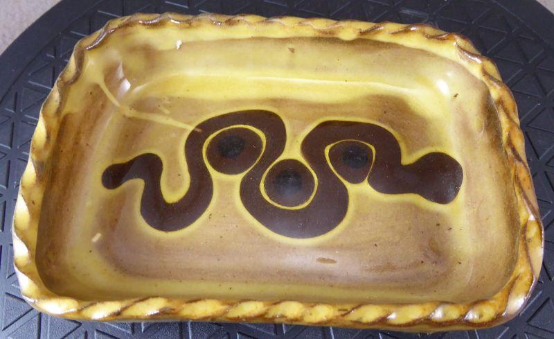 Winchcombe Pie Crust Rim slipware 14cm dish. AH potter's mark? ELl08HHWoAM3Qpy?format=jpg&name=900x900