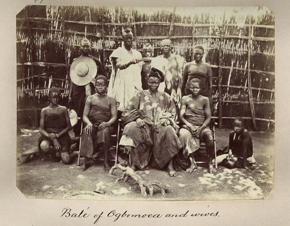 RT @YorubaHistory: Bale of Ogbomosho and his wives  date unknown  #Yoruba   Source: National Archives UK https://t.co/wkpjA5H11T