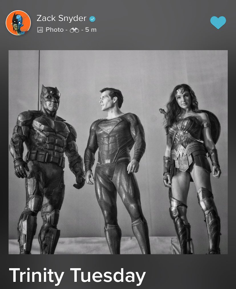 So if in Zack's JL Superman only wears the Black Suit then this shot right here he is wearing the Black Suit too.  #ReleaseTheSnyderCut<br>http://pic.twitter.com/I1ixRhZ4Ww
