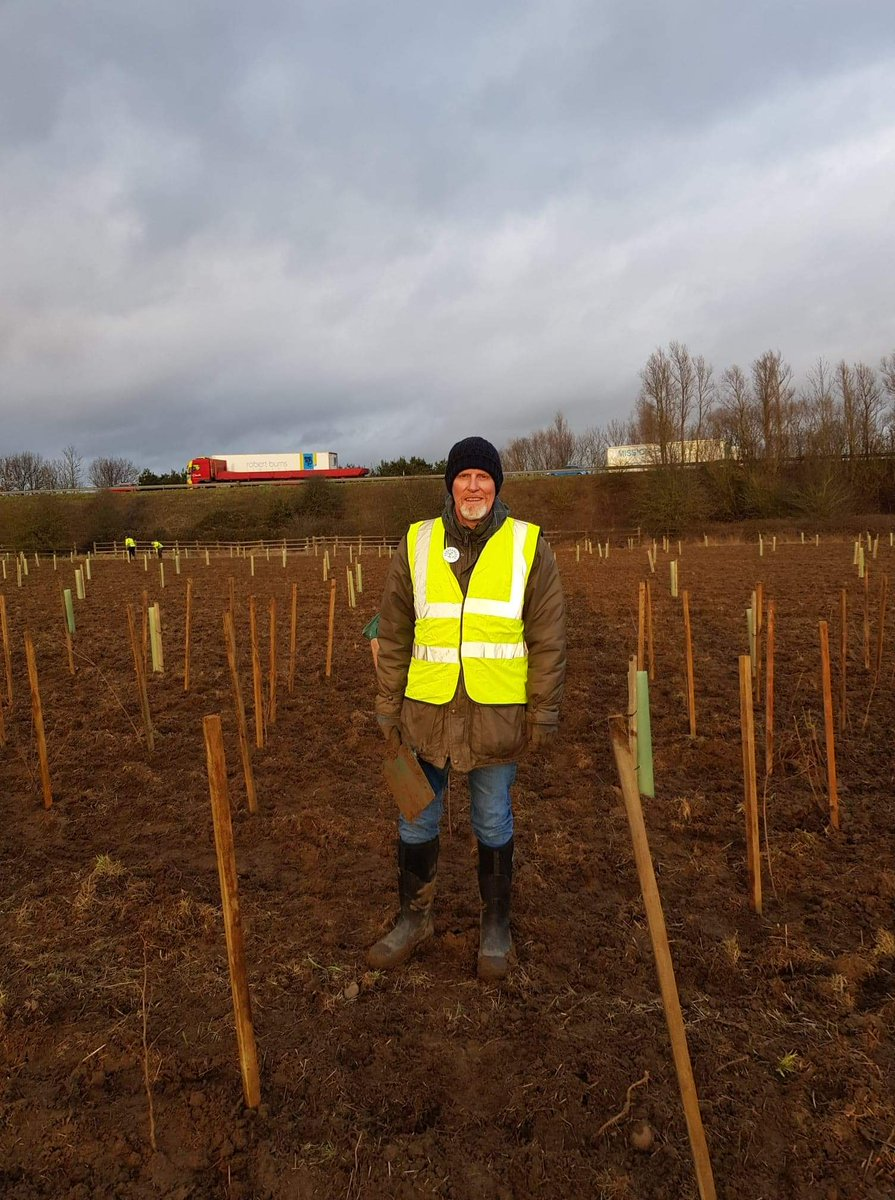 Spent a couple of hours yesterday planting trees in #Banbury. Seemed appropriate on the eve of an election which should all be about #ClimateChange. So many other things we need to fix : #NHSCrisis, #housing, #education, but if the climate fails we all fail #GeneralElection2019