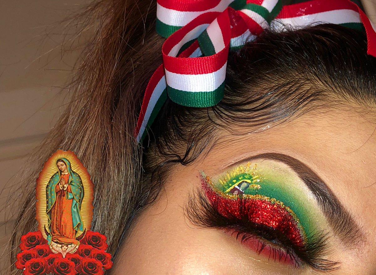 Dec 12 ~ El Dia De la Virgen Maria 🌹🇲🇽 •Eyeshadow: @MorpheBrushes @jamescharles  •Glitter: @LuxurieCo  •Crease Glitter: @NyxCosmetics  •Detail Liners : @JeffreeStar Velour Liquid Lipstick  #LaVirgenDeGuadalupe #christmaslook #makeuplook #MorpheBabe