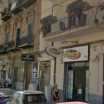 Image for the Tweet beginning: Rapina in casa in via