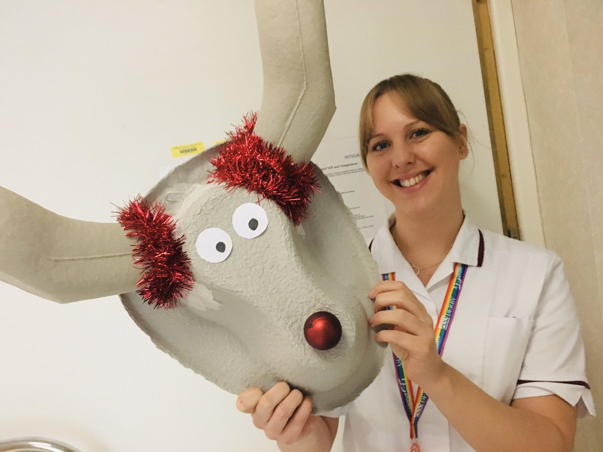Feeling festive in MRI @NUHRadiology and cheering up patients with a bit of Christmas creativity. #xmas<br>http://pic.twitter.com/SZ9BMGWq90