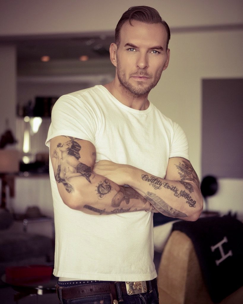 Love all your tattoos in this photo @mattgoss You look gorgeous too #JustSaying #singersongwriter #handsomedude #sendinglove<br>http://pic.twitter.com/yA2GnBfnDg