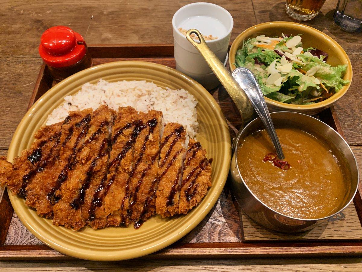 八王子【カキノキテラス】米澤豚を使ったカツカレー&とろみのあるカレーと合わせて食べると、思わず感動してしまう程の旨味を堪能できます!