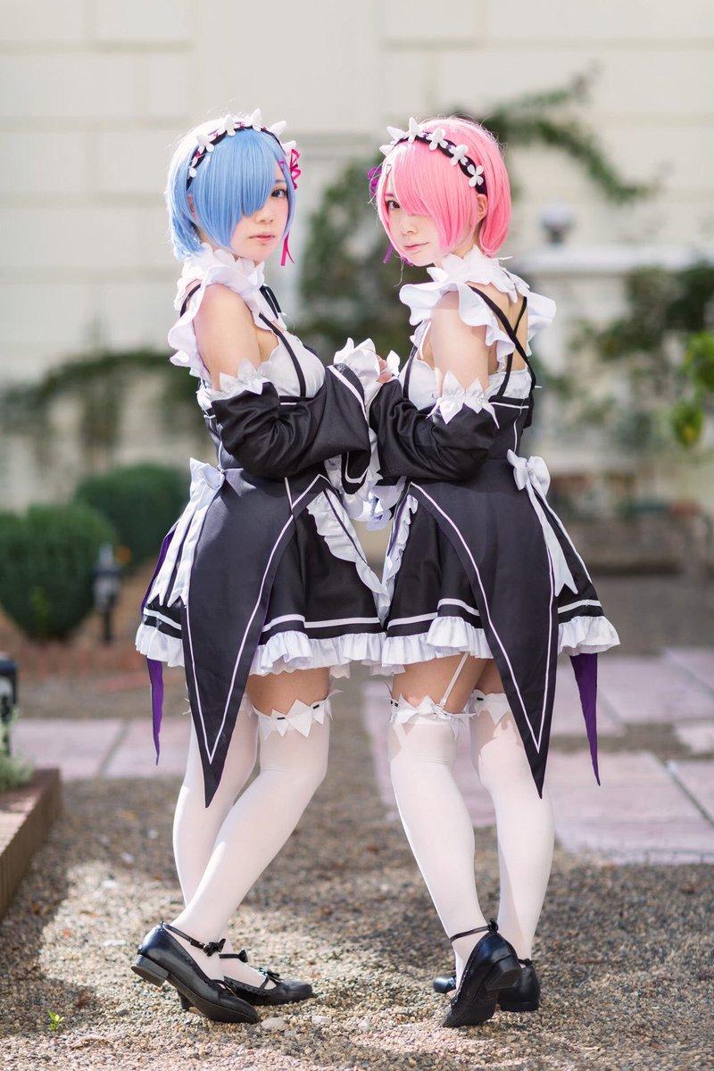 姉 しずく 157cm妹 もえか 154cm実は身長差があるので分かりにくい様にポージングしてます🥺💦#身長を晒す#リアル双子