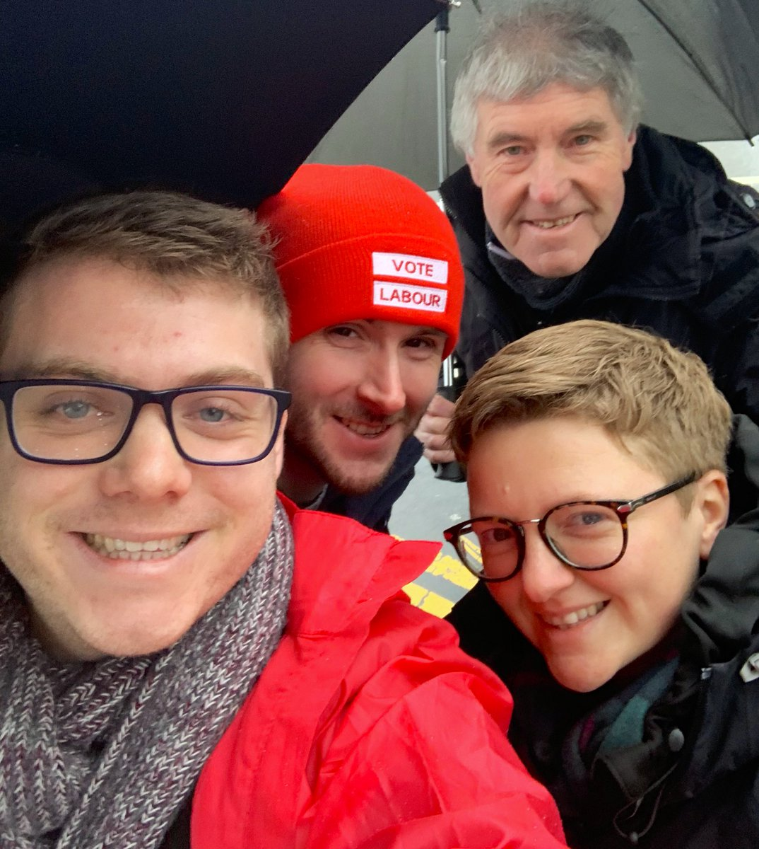 It's cold and wet but we're helping re-elect James Frith in Bury North! Vote Labour 😍