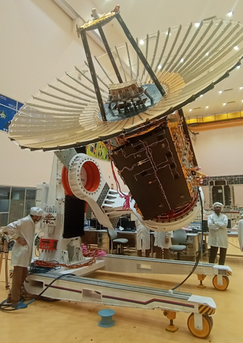 Today at 1400 hrs IST, Radial Rib Antenna of #RISAT2BR1 spacecraft was successfully deployed in-orbit. This complex technology involved unfurling & deployment of the 3.6 m antenna which was folded & stowed during launch. The deployment was completed in 9 mins 12 s.