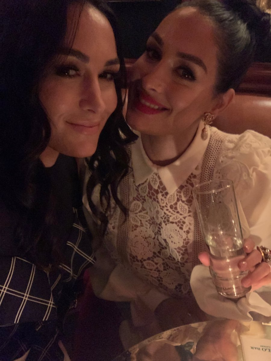 If you haven't heard it yet click link to hear the latest #BellasPodcast episode! Who's been doing their journaling?! ❤️N https://podcasts.apple.com/us/podcast/the-bellas-podcast/id1451565442?i=1000459281627…