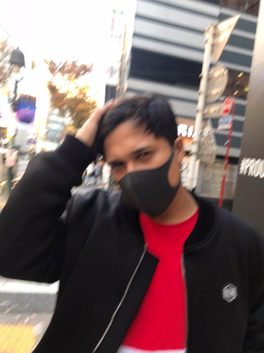 生まれて初めて黒マスクをつけたら何かがブレました