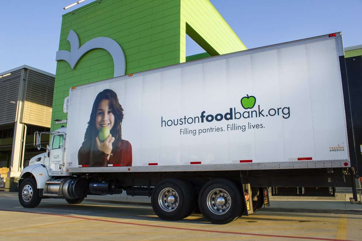 We're giving back! For any purchase of My Paper Box, Cratejoy will donate 20% to the Houston Food Bank. Shop at the link in our bio by 12/15 and help us meet our goal of 3,000 meals to families in need. Share with your friends! #givingback <br>http://pic.twitter.com/mxIoJseRFo