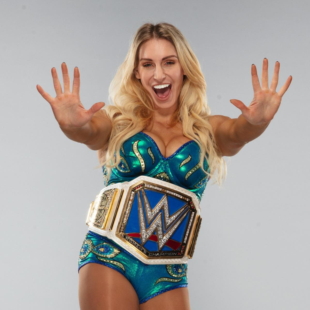 Charlotte ❤💛💚💙💜 2019 WWE Superstar photo shoot outtakes @MsCharlotteWWE #Charlotte #WWE #SmackDown #SmackdownOnFox #Raw