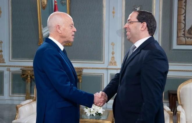 #Tunisia: President Kais Saied highlighted as he met Caretaker Prime Minister @YoCh_Official need for the government to continue work until new government takes over in the interest of the public service, Chahed was quoted by @PresidenceTn as saying after the meeting. #TAP_En