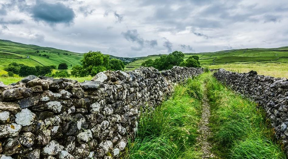 ⭐️Late Availability⭐️ Swaledale Cottages are the perfect base for exploring the #YorkshireDales. Book a winter break with them as they have availability until Feb 29th 2020. 🛏️ Sleeps 2-4  #Cottages #NorthYorkshire #LateAvailability #WinterBreak #Staycation