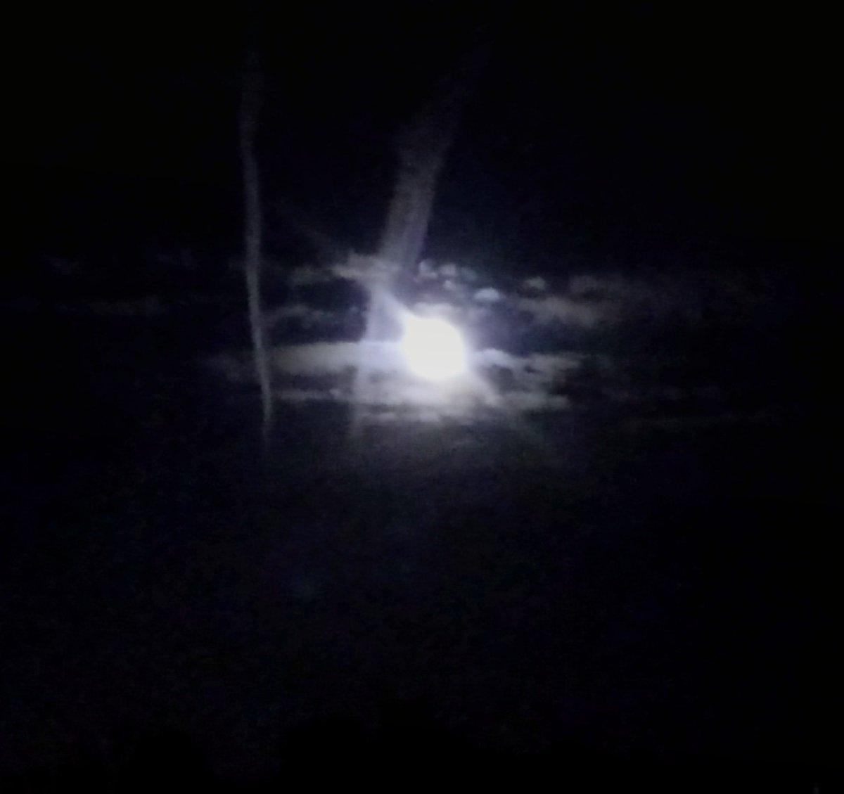 Now I see the beautiful Moon  #beautiful #moon #FullMoon #ColdMoon #MyPhoto #photooftheday #Warszawa #amazing