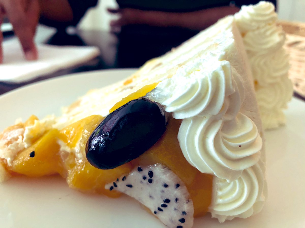 Tried the Fruitilious gateaux from Secret Recipe today. Light, spongy and soaked to my liking but a bit too much of whipped cream and not enough fruits. Sugar wasn't so overbearing. I liked it all the same. #FoodPorn 🍰 @abdulmalikmv 🤗