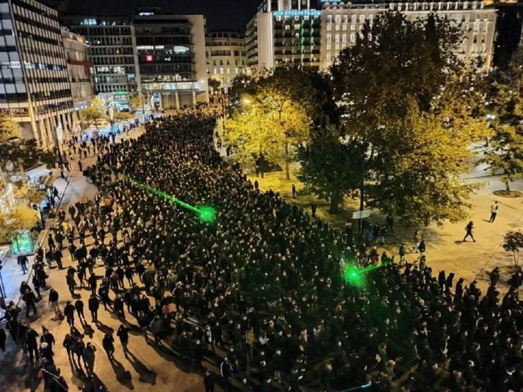 Grèce: Affrontements aux manifestations en mémoire d'Alexandros Grigoropoulos https://t.co/vOEXRaLdgE https://t.co/Rit6cdlUd7