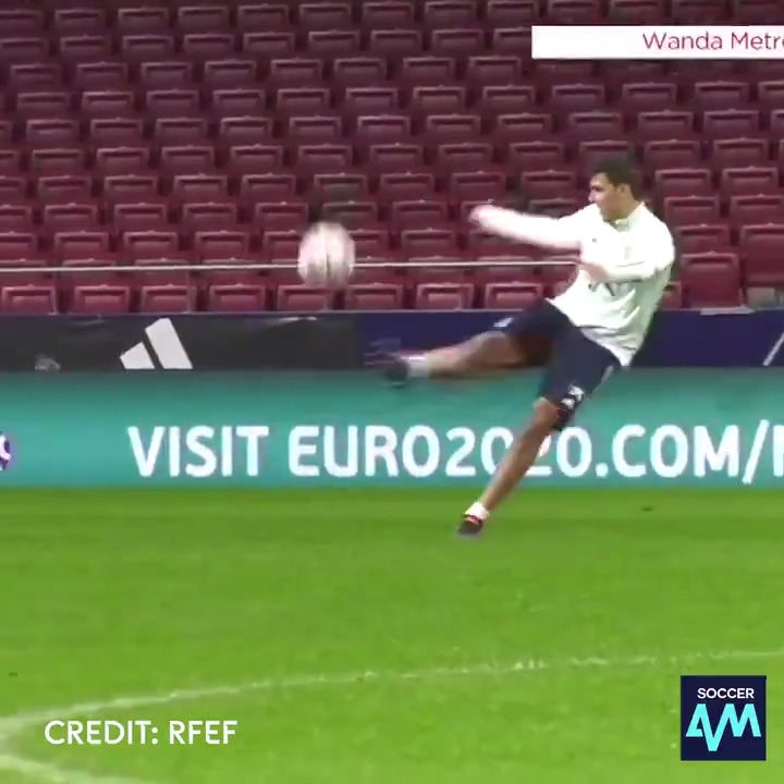 Rodri and Thiago pinging the ball to each other on the volley is so satisfying to watch 😍