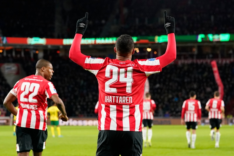 17 - Mohamed Ihattaren is the youngest player to score for @PSV in a European main stage game (17 years, 303 days), surpassing @Ronaldo (17 years, 356 days v Bayer Leverkusen). Prodigy.