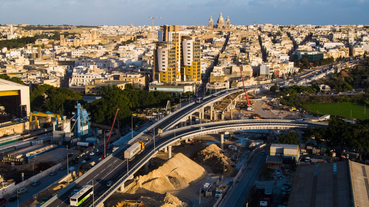 🛣 3rd #MarsaJunctionProject flyover now open - use this flyover to get from Aldo Moro Rd (#Marsa) to Santa Lucija Ave., towards #SantaLucija, & Tal-Barrani Rd. 🚦 With this flyover we eliminated Addolorata traffic lights, reducing travel times from #Corradino & #Paola) to Marsa.