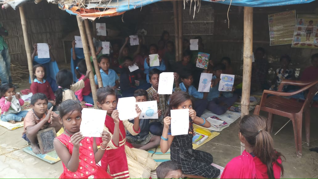 A step towards the dream with children of Madhepura district, Bihar.The students coming for free classes running by the teacher for slum children. <br>http://pic.twitter.com/L4cBgHyApg