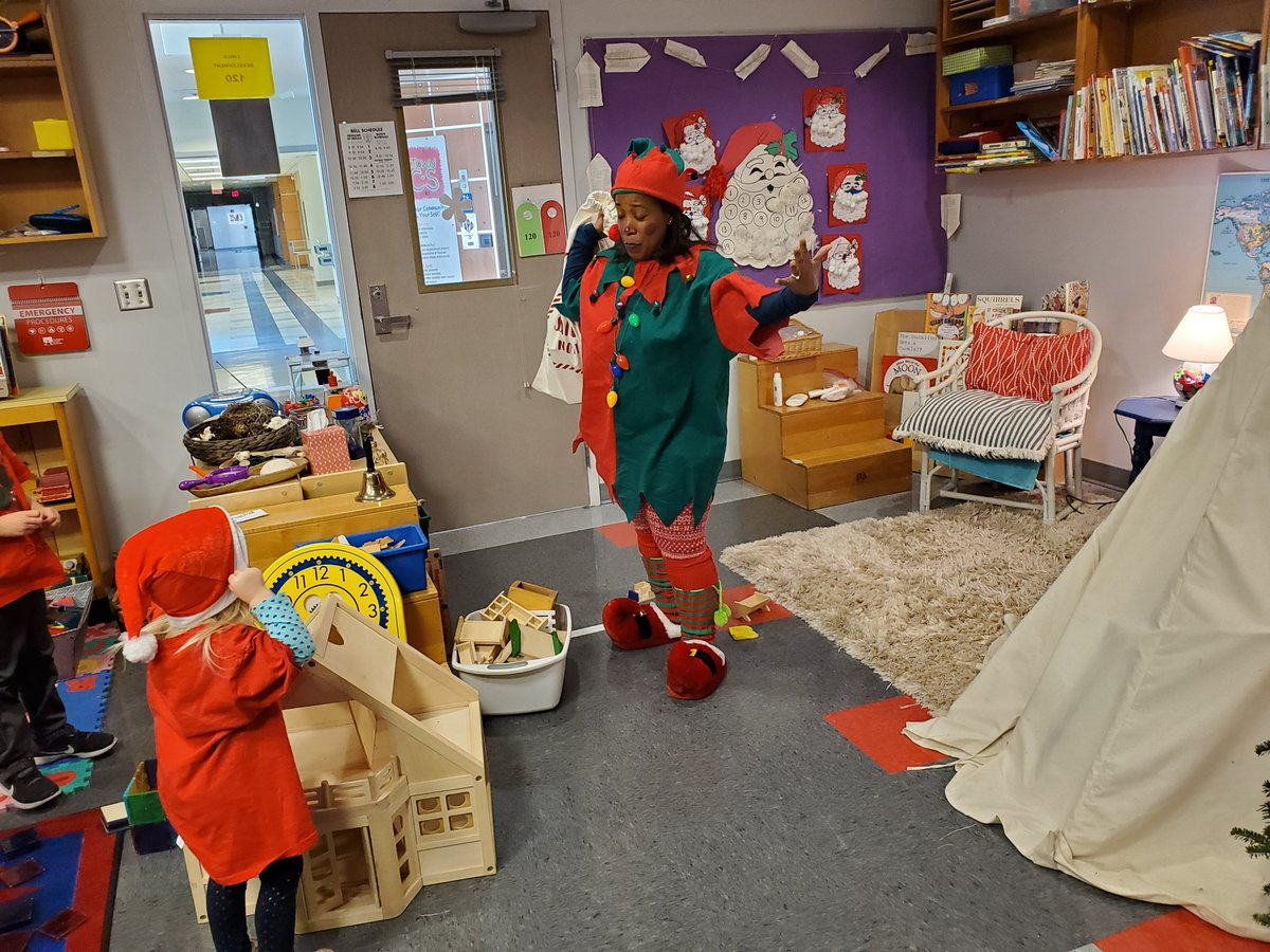 Jingles the Holiday Elf visiting the YHS preschool class to make sure they are ready for Santa..<a target='_blank' href='http://twitter.com/YorktownHS'>@YorktownHS</a> <a target='_blank' href='http://twitter.com/YorktownSentry'>@YorktownSentry</a> <a target='_blank' href='http://twitter.com/YorktownAPs'>@YorktownAPs</a> <a target='_blank' href='http://twitter.com/Principal_YHS'>@Principal_YHS</a> <a target='_blank' href='http://twitter.com/APSVirginia'>@APSVirginia</a> <a target='_blank' href='http://twitter.com/YorktownYB'>@YorktownYB</a> <a target='_blank' href='https://t.co/rBsMiG6H5r'>https://t.co/rBsMiG6H5r</a>