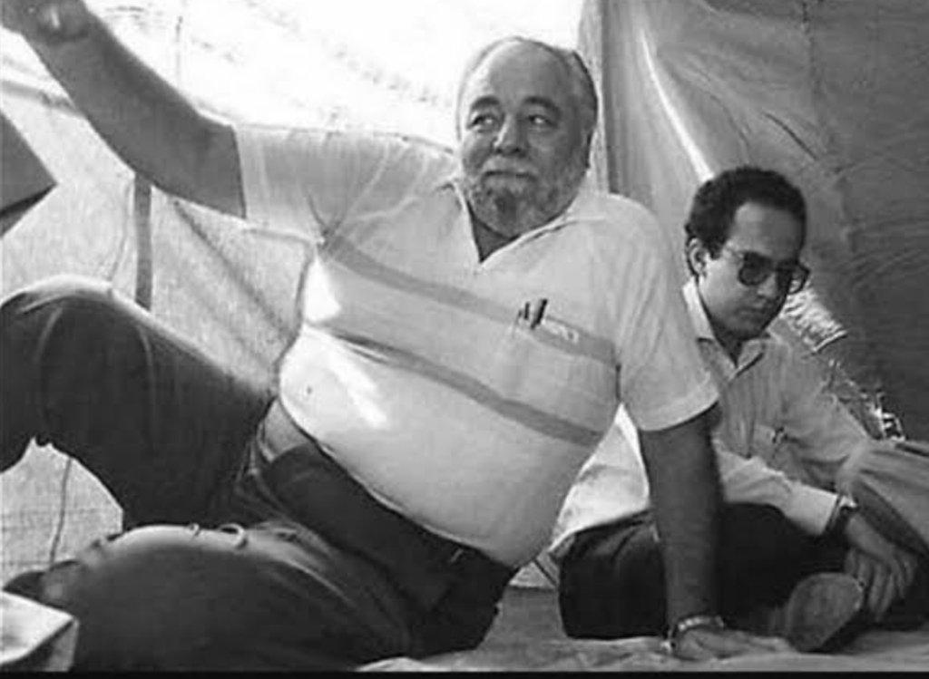 Mira quién está con tu Papá...De los pocos que lo acompañaron en su huelga de hambre...