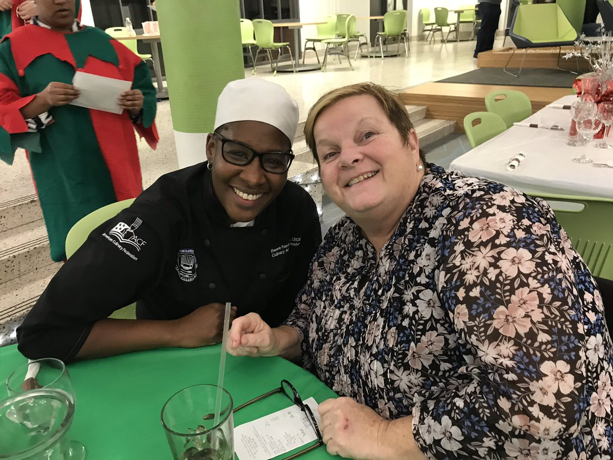 The master <a target='_blank' href='http://twitter.com/ChefRandi14_ACC'>@ChefRandi14_ACC</a> and her awesome mentor! <a target='_blank' href='http://twitter.com/APSCareerCenter'>@APSCareerCenter</a> <a target='_blank' href='http://twitter.com/ACC_Culinary'>@ACC_Culinary</a> <a target='_blank' href='https://t.co/OgdUsfW4iu'>https://t.co/OgdUsfW4iu</a>