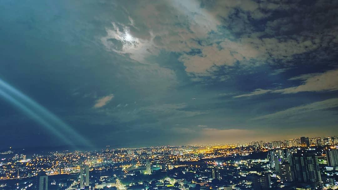 #moonlight#autogramtags#skynight#fullmoon#moonphotography#moon_of_the_day#beautifulmoon#nightsky#moonrise#themoon#crescentmoon#moon#moonlight🌙#waxingcrescent#moonset#backyardastronomy#stars#nightpics#moonpics#moonphotos#blacksky