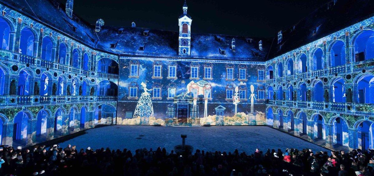 "#LightMusicalShow Bressanone/Brixen, South Tyrol, Italy 2019 📷 Best of Solimans Dream #ChristmasTime youtube.com/watch?v=Oaov88… 2018 - #Lightshow MAX500 - Innsbruck"" Austria - vimeo.com/309904754?ref=…"