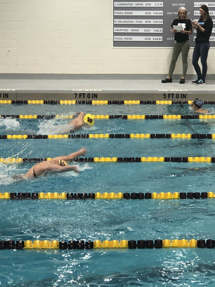 Supporting Silver Knight sophomore Elle Scheffing who swims for Windsor at her Home duel vs Longmont. #Uknighted⚔️