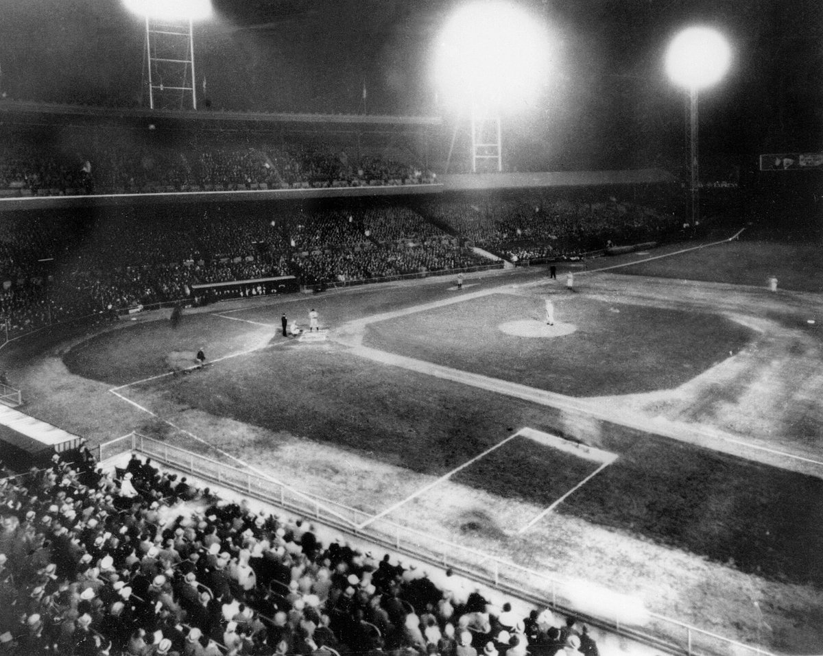 Dec. 12, 1934: The NL grants the Reds permission to play 7 night games at Crosley Field in 1935. Four light towers are placed on the grandstand roof & four around the outfield at a cost of nearly $50K. MLB's first night game is then played on 5/24/35 vs. the Phillies. #RedsVault