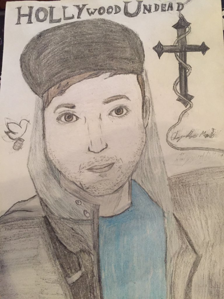 I drew this back in my eighth grade year (I'm in tenth currently). I mean I did good but I could've done better. My friend said if we could be anyone from @hollywoodundead I would be Danny. (Not the reason my name is Danny btw) Anyways..a drawing I did of @Danieldrive <br>http://pic.twitter.com/W6KbPV0cfI