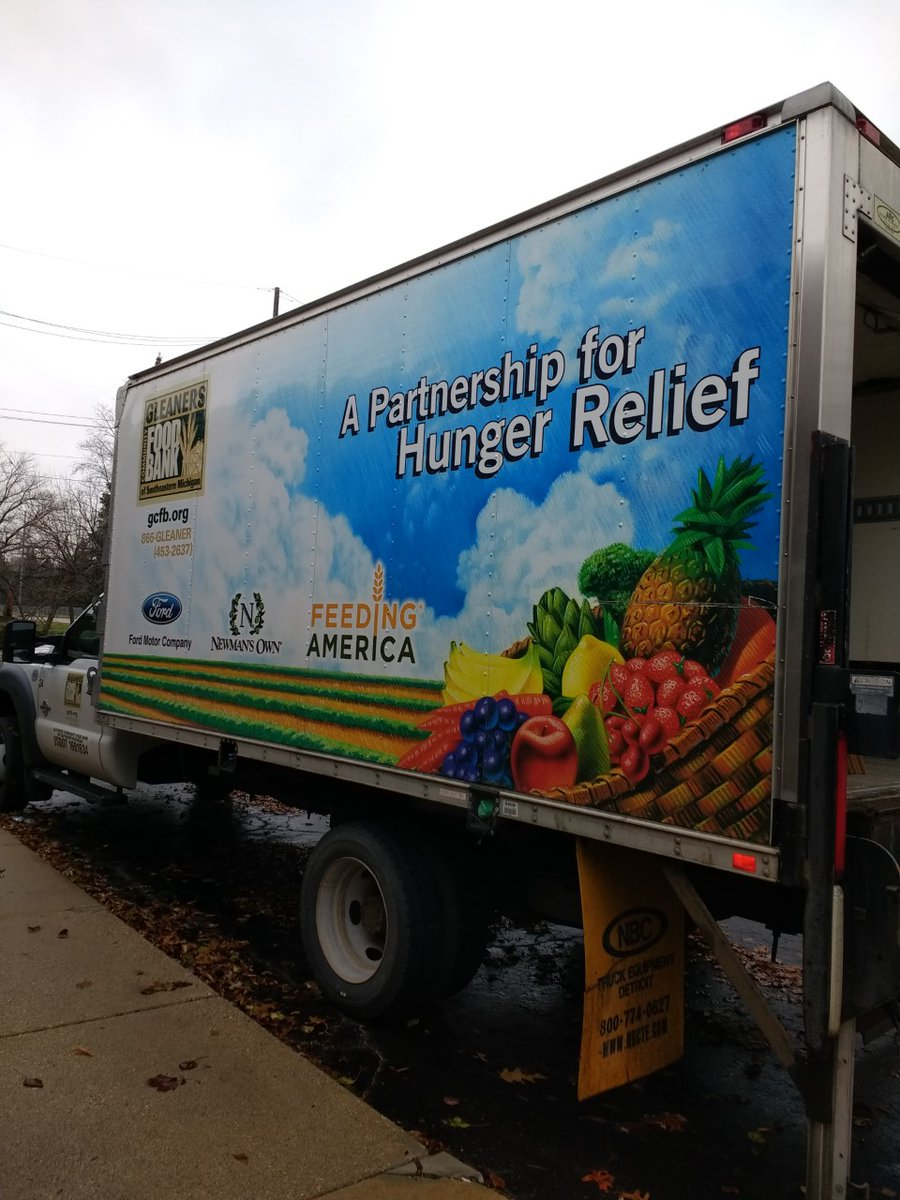 Thanks @HegiraHealthInc Our Hegira team enjoyed collecting food for the Gleaners Community Food Drive. We are happy to help our neighbors who might otherwise go hungry. HHI staff donated 2,788 pounds of food and $1,459 in cash to provide more than 7,000 meals. #GivingBack <br>http://pic.twitter.com/7J3VseIL3A