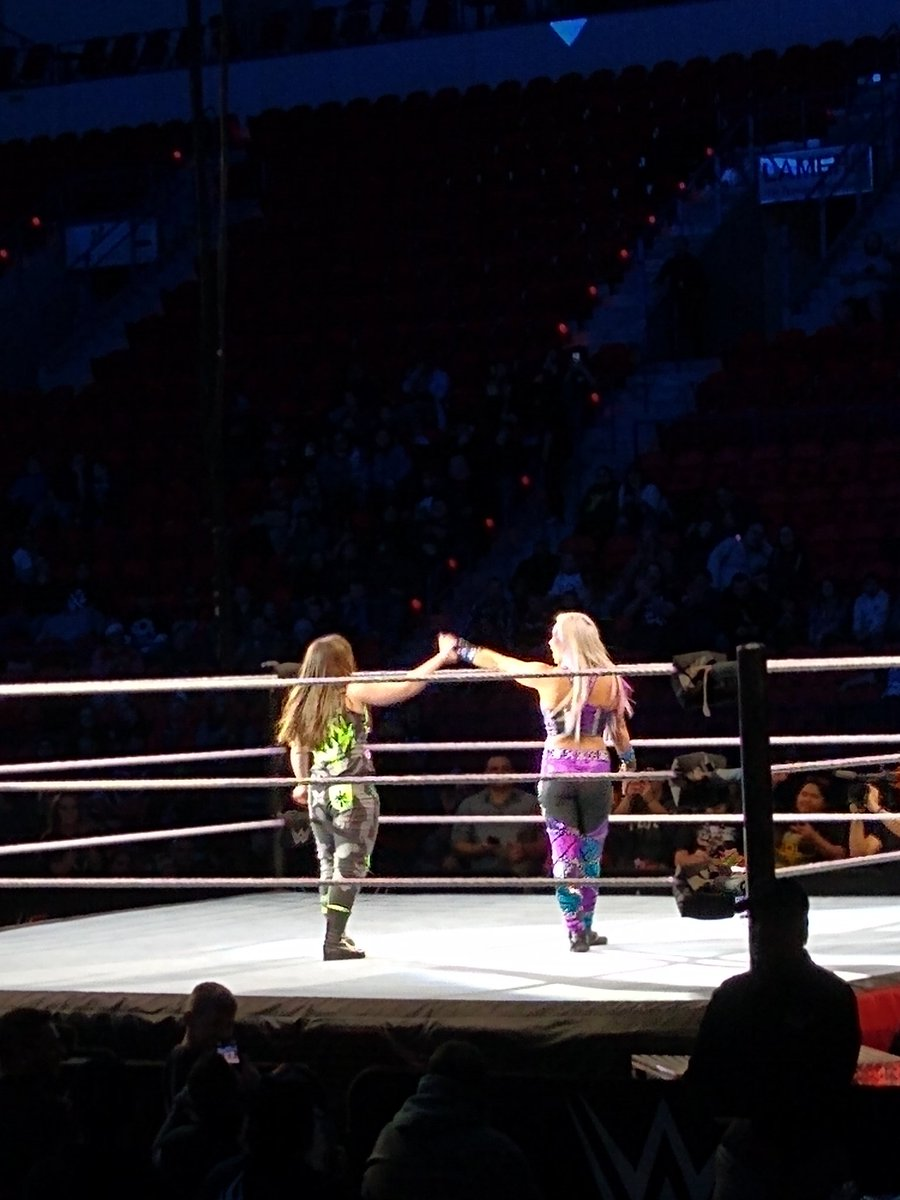 Girls supporting girls!! I love it. @DanaBrookeWWE @NikkiCrossWWE #WWEGreenBay