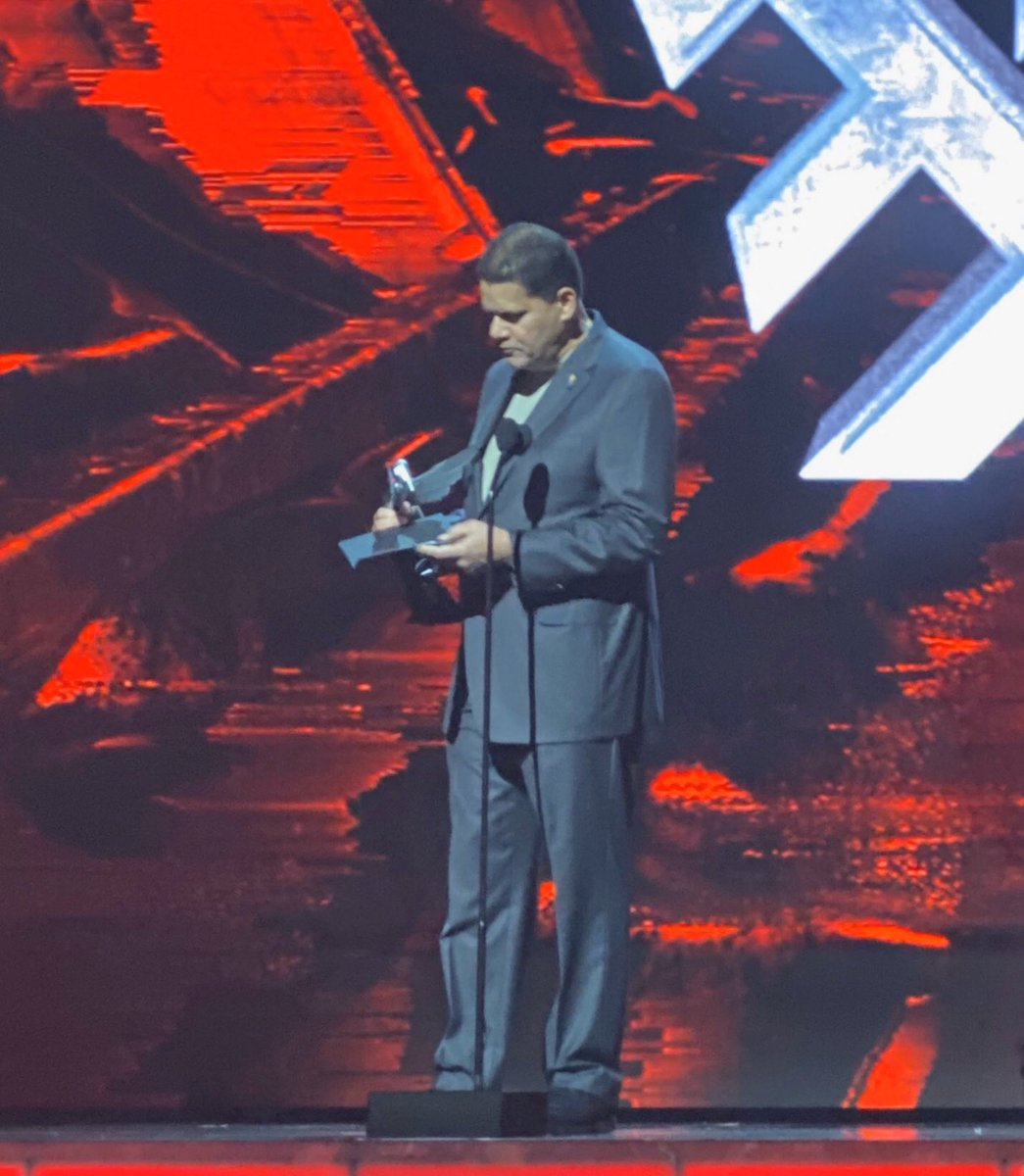 """#TheGameAwards2019   An honor to announce the winning Indie Game. All developers started as """"indie.""""  The future of gaming is in their hands! <br>http://pic.twitter.com/g8k9gH4TH2"""
