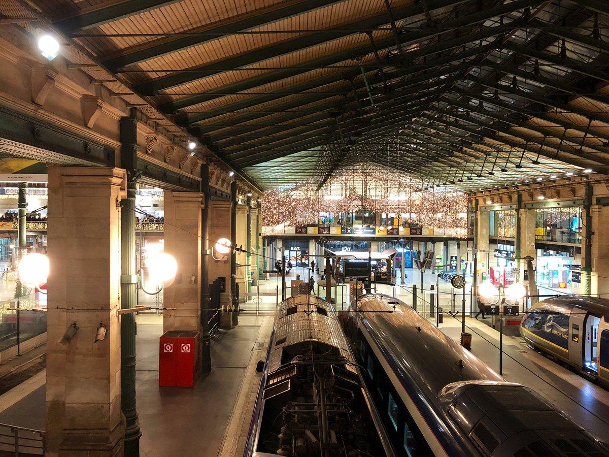 ELpPcA1XkAA5ocS - A tale of two Eurostar terminals