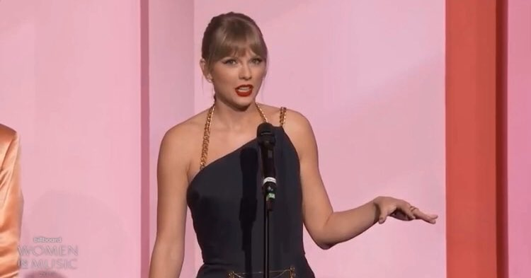 When people ask me why I love @taylorswift13 !!! This speech is the answer because she is just a f***ing rolemodel to everyone!!! @taylornation13 #proudswiftie #IStandWithTaylor #WomanOfTheDecade