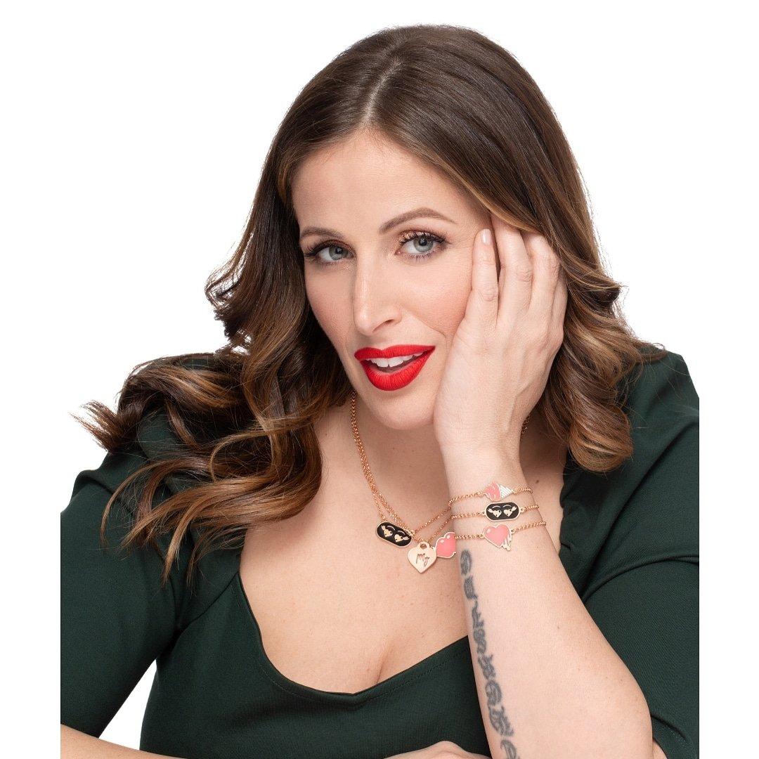 """""""Love25 by Nove25 feat.""""nuova collezione @ClioMakeUp gioielliin argento sterling 925in edizione limitata da oggi disponibile #BloggersTribe #blogginggals #RTingbloggers #ilovemakeup #makeupfanatic #makeuplook #FierceBloggers #fabbloggersRT #bloggers #paradiseRT"""