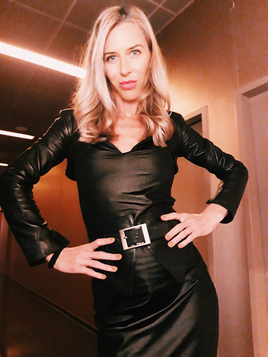 Your Mistress wish you a nice Weekend. Full of Love and Passion.