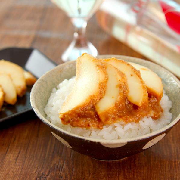 【モッツァレラのおかか味噌漬け】カツオ節混ぜた味噌に漬けた「モッツァレラ」はずるいおいしさ…