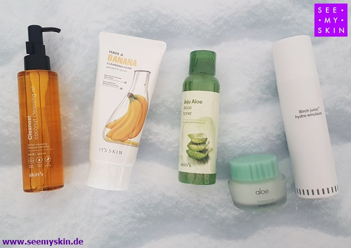 """""""Weniger Make-up, mehr Hautpflege"""" - so lautet das Motto der Koreanerinnen. Für ihre makellose, reine Haut wenden sie täglich eine mehrstufige #Hautpflegeroutine an. Erfahre mehr über das '5-Step #KoreanSkincareRoutine Set (Trockene Haut)' unter: https://www.seemyskin.de/hautpflege-sets/206/5-step-korean-skincare-routine-set-trockene-haut…pic.twitter.com/TY9cNfI0tK"""