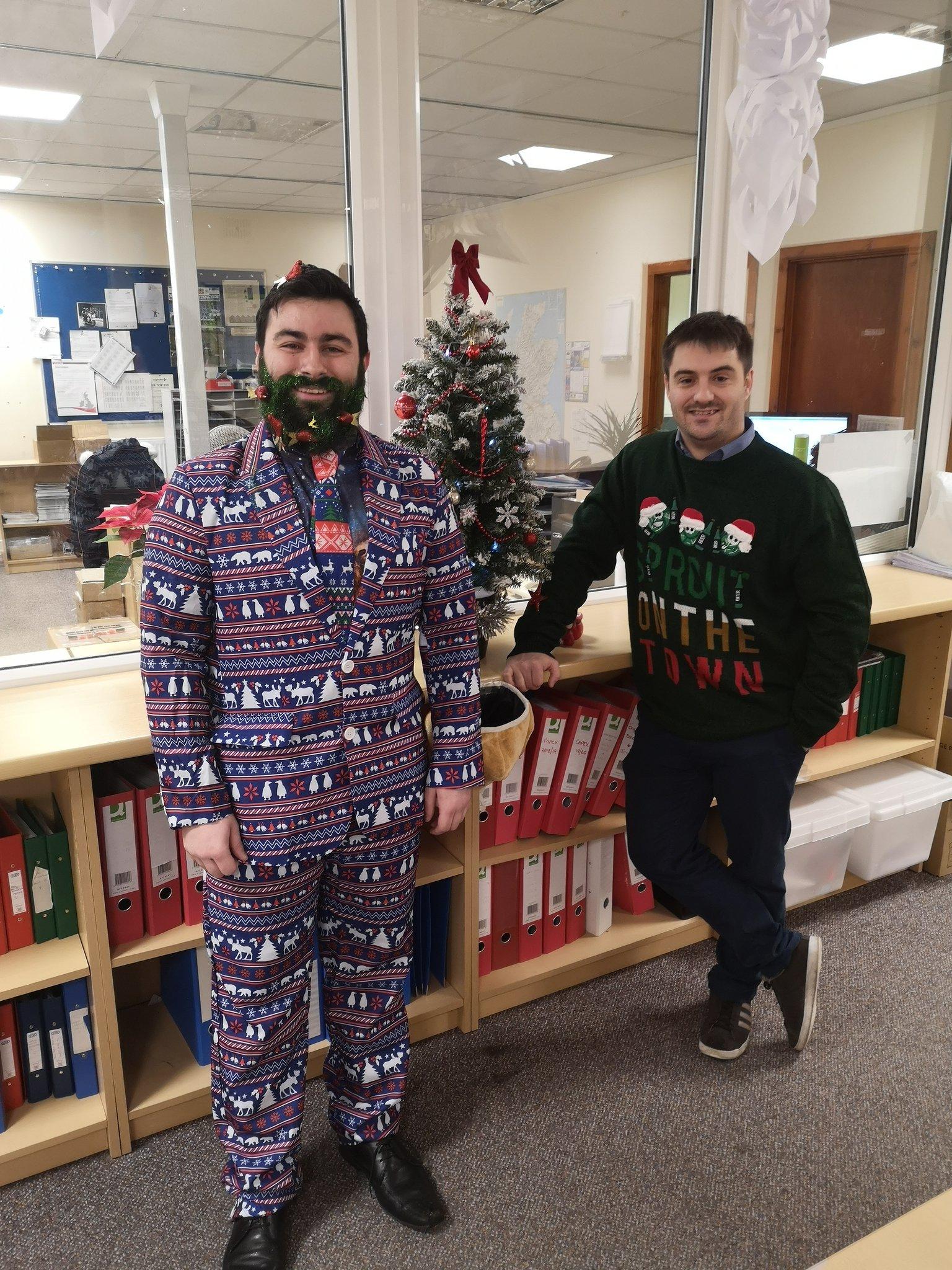 Sidey are Raising money for @tayfm  Cash for kids by having a Christmas Jumper Day today. Brilliant effort guys ???????????? https://t.co/emjkrdkko0