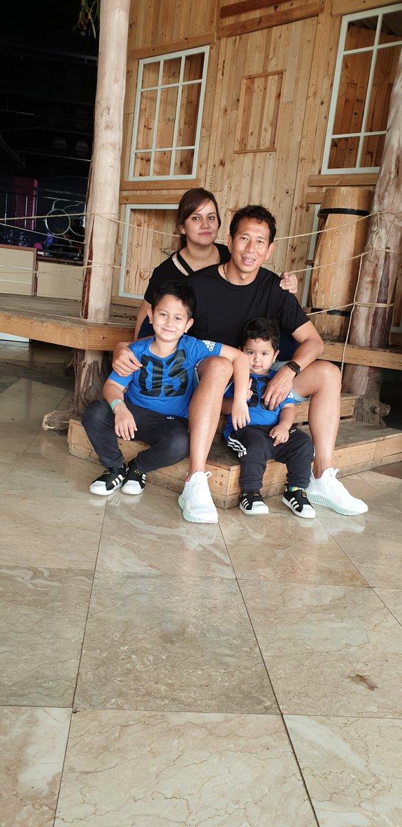 Family time...  . . #qualitytime #jalanjalan #happyfamily #ranwir #reynand #teamadidas #3stripesstyle #alphaedge4d @adidasindonesia<br>http://pic.twitter.com/sJ5ujOO1y6