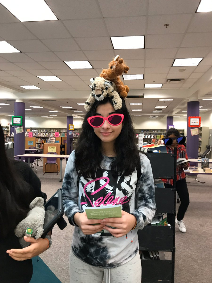Just having a little fun with some friends while shopping at the Book Fair. Today's the last day to shop. We close it up at 11am and with a little bit of magic you'll have you're regularly scheduled library back Monday morning! <a target='_blank' href='https://t.co/1tvUwkxC7R'>https://t.co/1tvUwkxC7R</a>