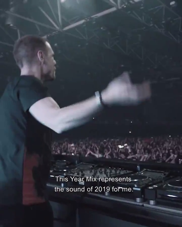 'A State Of Trance Year Mix 2019', mixed by yours truly is here! 😄https://t.co/ojS5Pd8Vq9 @asot https://t.co/JjJ6CIuikA